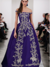 Image - Oscar de la Renta dress